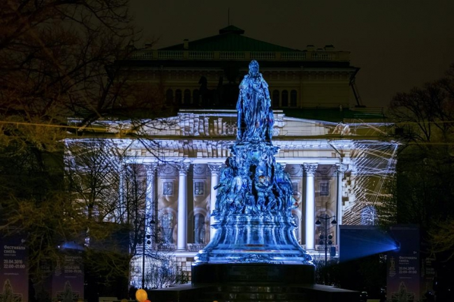 St. Petersburg Festival of Lights 2017 will take place on Palace Square  4th and 5th November