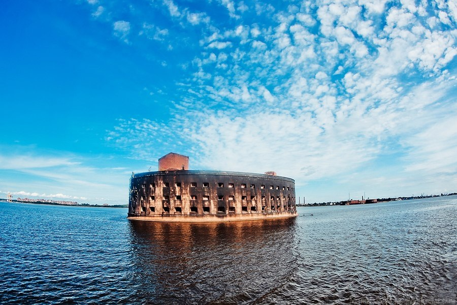 Krondshadt forts in St.Petersburg will be reconstructed to host hotels, museums and cinema